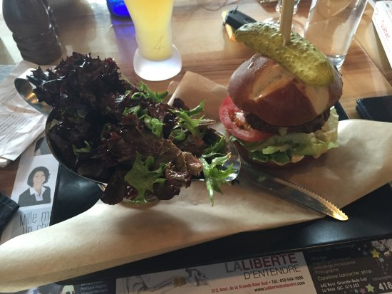 La Baie, Καναδάς: Burger