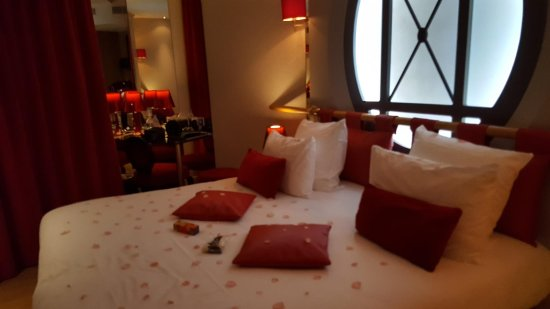 Chambre op ra garnier picture of hotel design secret de for Hotel design secret paris 9