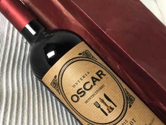 Un nostro cliente ci ha fatto omaggio di una bottiglia di ...