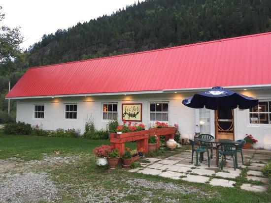 Cafe Bistro Lez'Arts : Outside view