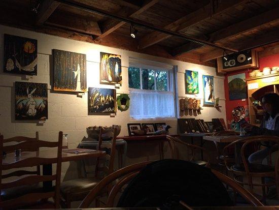 Cafe Bistro Lez'Arts : Inside