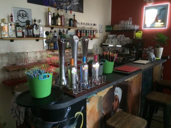 Dourdan, França: le bar
