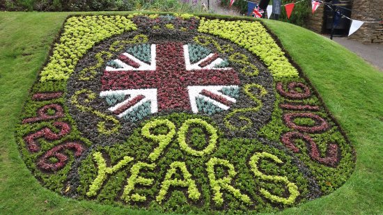 Guildford Castle: Flower Bed depicting the Queen's 90th Birthday Celebrations.