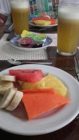 Hotel Casa del Curato: El desayuni de hoy jugo de lulo fruto del lugar