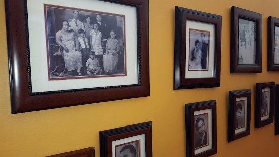 Cascadas de Merida: Family Historical Wal