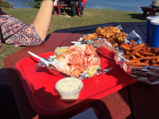 Wiscasset, ME: There is a lobster roll and a mountain of fried clams!