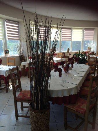 Le Vigan, France : Nouvelle deco de la salle de restaurant!!!!