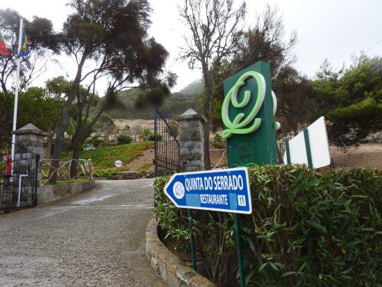 Hotel Quinta Do Serrado: Entrance to Quinta De Serrado