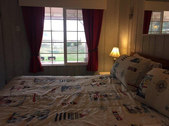 Deane's Oceanfront Lodge: photo2.jpg