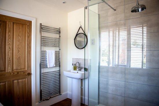 Peasmarsh, UK : Bathroom Room 3