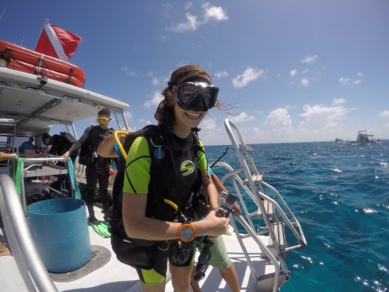 Ocean Divers: Happy Divers in gorgeous May conditions!