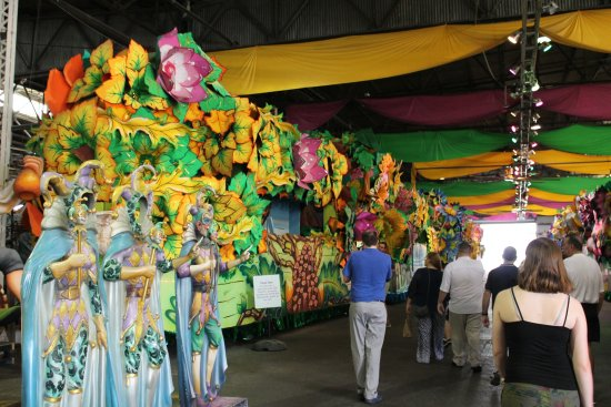 Blaine Kern's Mardi Gras World: Me in the black, one of the many examples of the floats used at Mardi Gras!