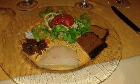 Sillans-la-Cascade, França: Foie gras mi-cuit chutney de griottes