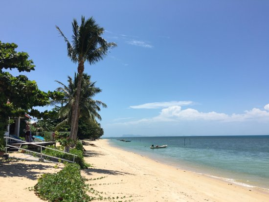Bang Po Beach: View to the left