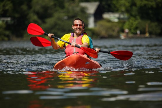 Bowness-on-Windermere, UK: Explore Windermere by kayak