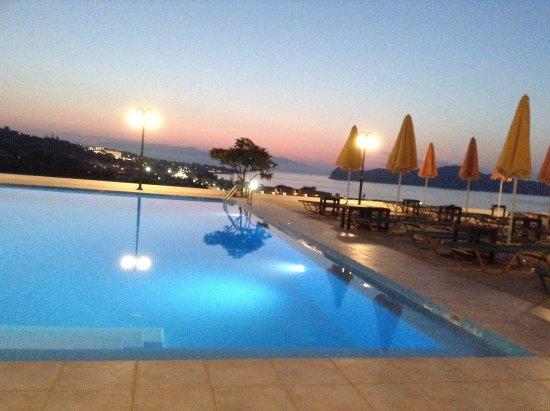 Top Hotel Chania Pool
