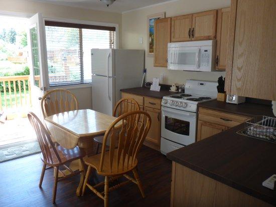 Milford, Καναδάς: kitchen