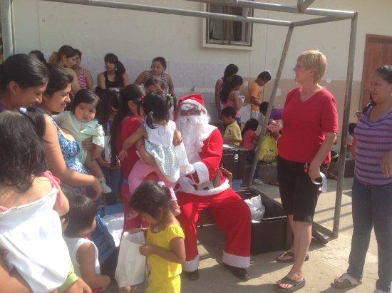 La Entrada, Ecuador: Villa de Los Suenos Annual Christmas Party for Kids in our Village