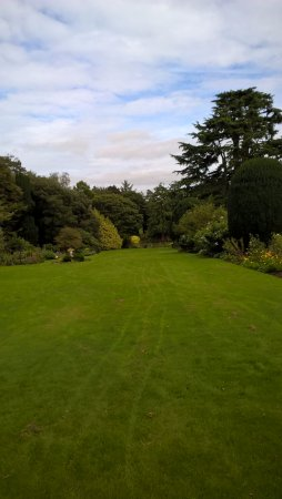 Tullow, Irlanda: lawns