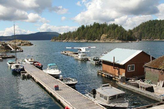 Campbell River, Canadá: Refuge Cove en het vliegtuig