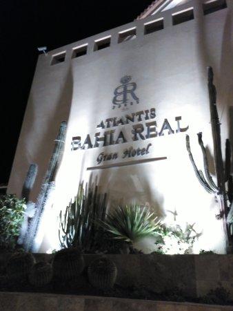 Gran Hotel Atlantis Bahia Real: Facade of the Hotel