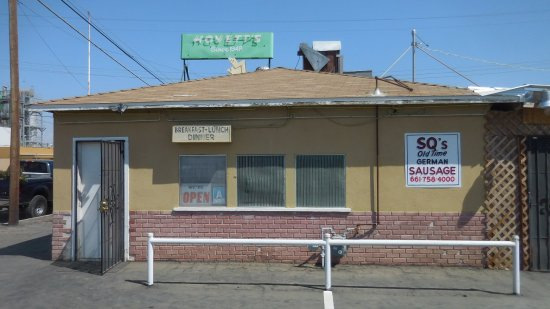 Wasco, CA: Hoyett's is not very exciting on the Outside