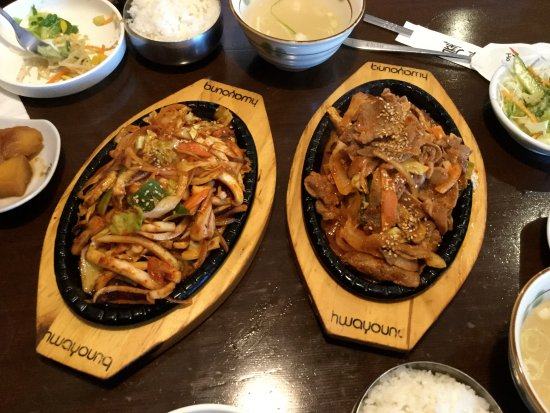 Burnaby, Canadá: Main dishes - stir-fred squid, and pork.