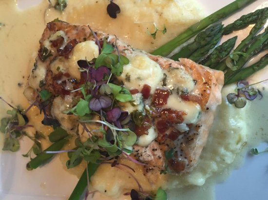 Orange, VA: Bleu Cheese & Bacon Topped Salmon