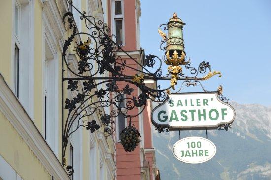 Hotel Sailer: Letreiro na entrada do hotel