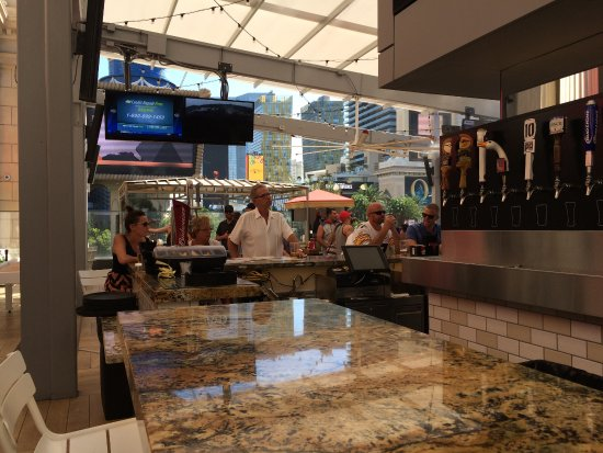Beer Park: Marble Bar Top