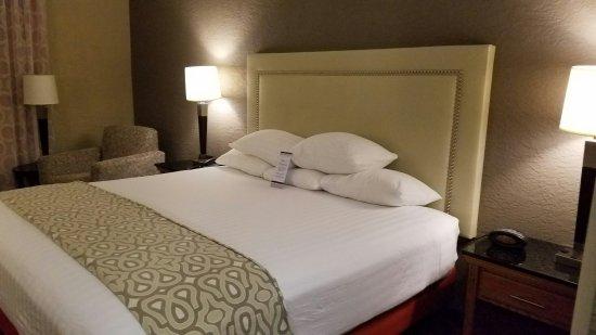 Drury Inn & Suites Amarillo: 20160910_001414_large.jpg