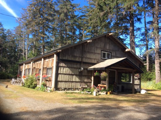 Tlell, Kanada: Beachfront property. Three nights for the price of two from September until May.