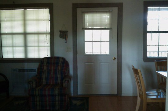 Royal, AR: 1 bedroom cabin view at wall divider