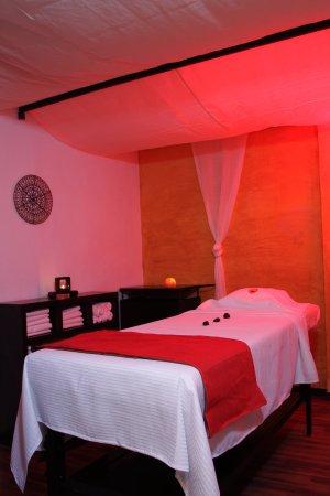 Desertika Spa: Libera tensiones, disminuye contracturas y dolores musculares.