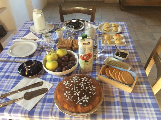Monte San Pietro, Italien: Breakfast for two....