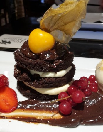 Holmes Chapel, UK: A very delicious Triple Chocolate Torte - YUM!!