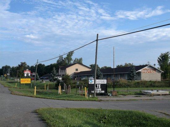 Masterson 39 s motel napanee canada voir les tarifs 19 for Motel bas prix