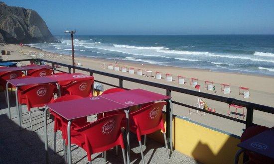 Restaurante Angra: Esplanada com mar à vista