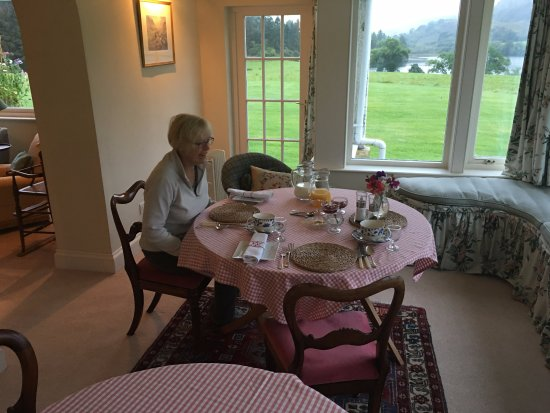 Ford, UK: This is a photo of the breakfast area. Look at the views outside!