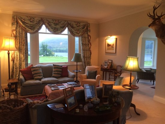Ford, UK: Here is the sitting room. It's just lovely and welcoming.