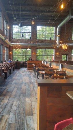 ล็อกพอร์ต, นิวยอร์ก: front dining room