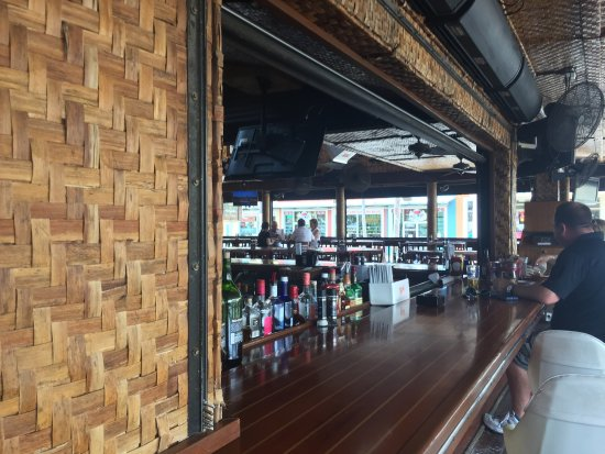 Yucatan Beach Stand Bar: Was the second stop on our bar hop. Very friendly staff, food was good, and atmosphere fit the n