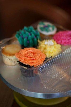 Lancaster, NY: Cupcakes