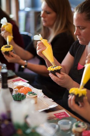 Lancaster, Estado de Nueva York: Cupcake Decorating Classes