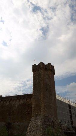 Montalcino, Italia: uno dei bastioni