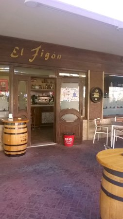 Arganda del Rey, Spanien: Entrada cafetería.