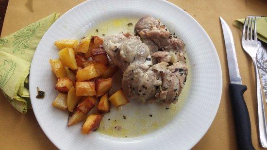 Murlo, Italie : Pollo arrosto con patate