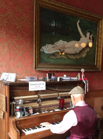 Gold King Dining Room : Ragtime Piano!