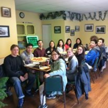 Elizabethtown, NY: Group photo in our fairly new dining area!