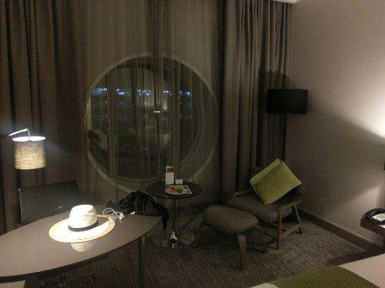Holiday Inn Bangkok Silom: IMAG2988_large.jpg